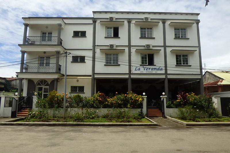 Façade de l'Hôtel La Véranda